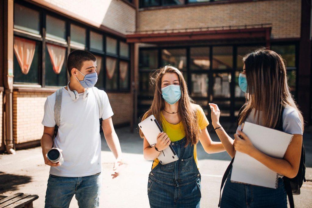 Tác động lên chức năng hô hấp của COVID-19 với người trẻ tuổi
